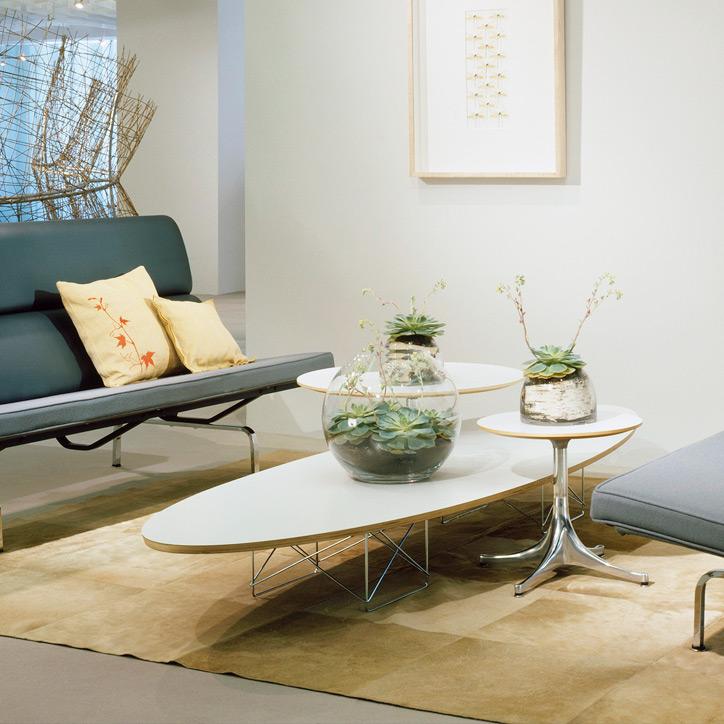 イームズ エプリティカル テーブルの使用例1