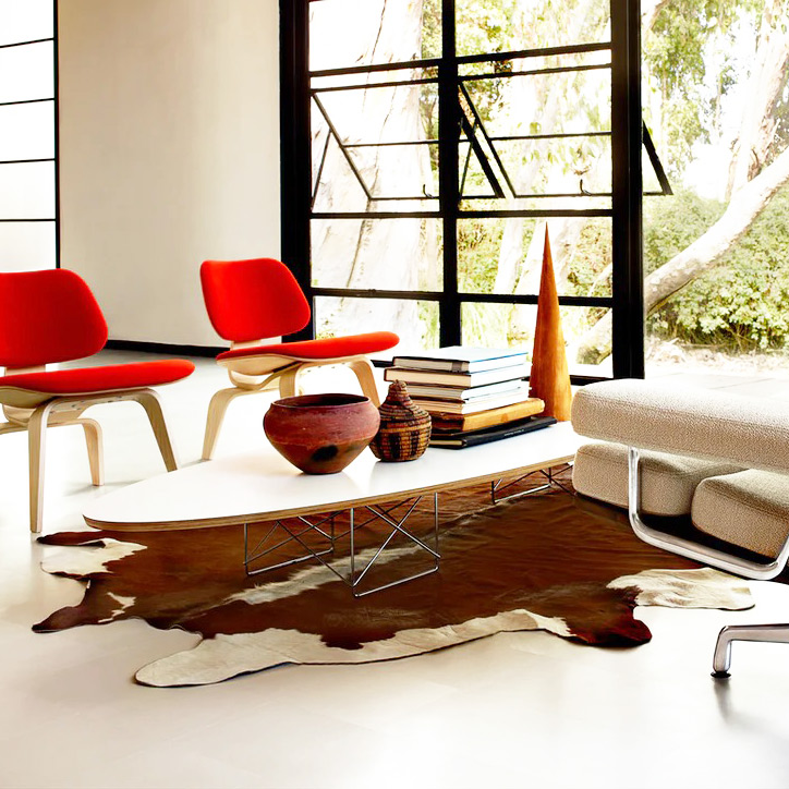 イームズ エプリティカル テーブルの使用例2