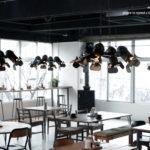 プロ用の照明を自宅に飾ればカフェダイニングに変身。ステージペンダントライト