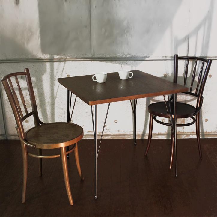カフェテーブルの定番。AT-6060 ブルノ カフェテーブル